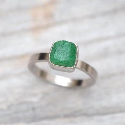 Raw Emerald Engagement Ring Set In ..