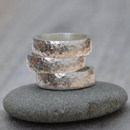 Textured Wedding Band 5.5 mm Wide I..