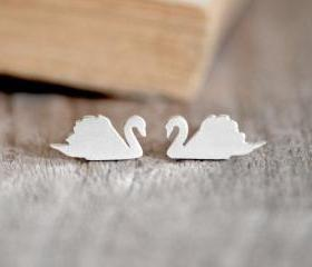 Swan Stud Earrings I..