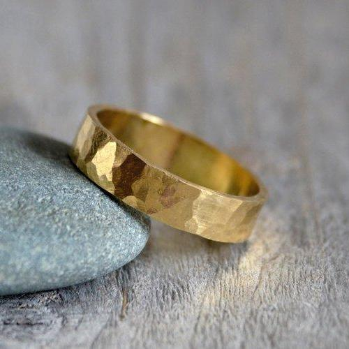 Hammered Effect Weding Band in Yellow Gold, Rustic Wedding Ring, Gold Wedding Band, Flat Wedding Band, Unisex Wedding Band